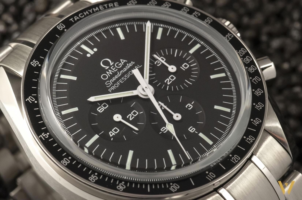 Live photo of the Omega Speedmaster Moonwatch