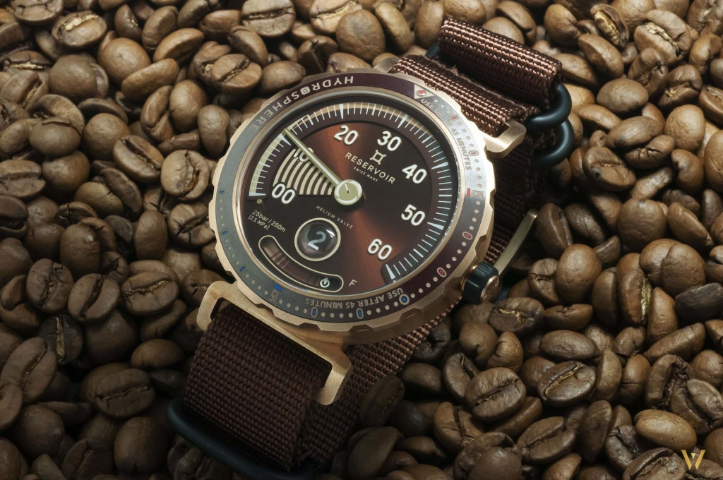 A brown dial - RESERVOIR Hydrosphere Bronze Maldives Edition