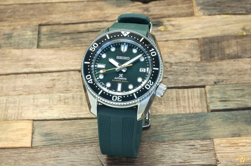 Seiko SPB207: a dive watch with 2 bracelets