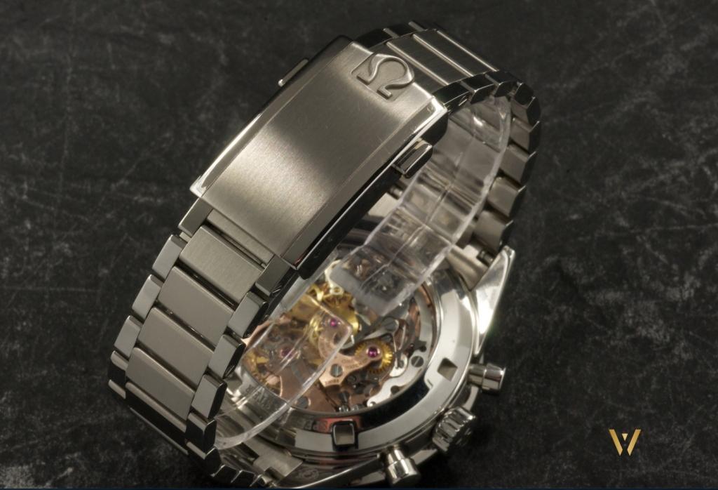 A vintage steel bracelet - Omega Speedmaster Moonwatch Caliber 321