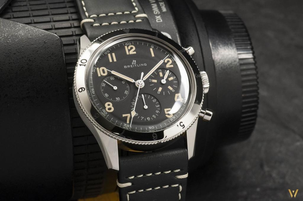 Chronograph Breitling AVI 765 1953 Re-Edition