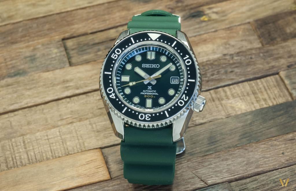 Seiko SLA047: 1 watch but 2 straps