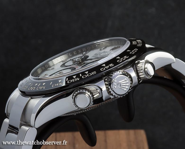 A flat sapphire glass - Rolex Daytona 116500LN