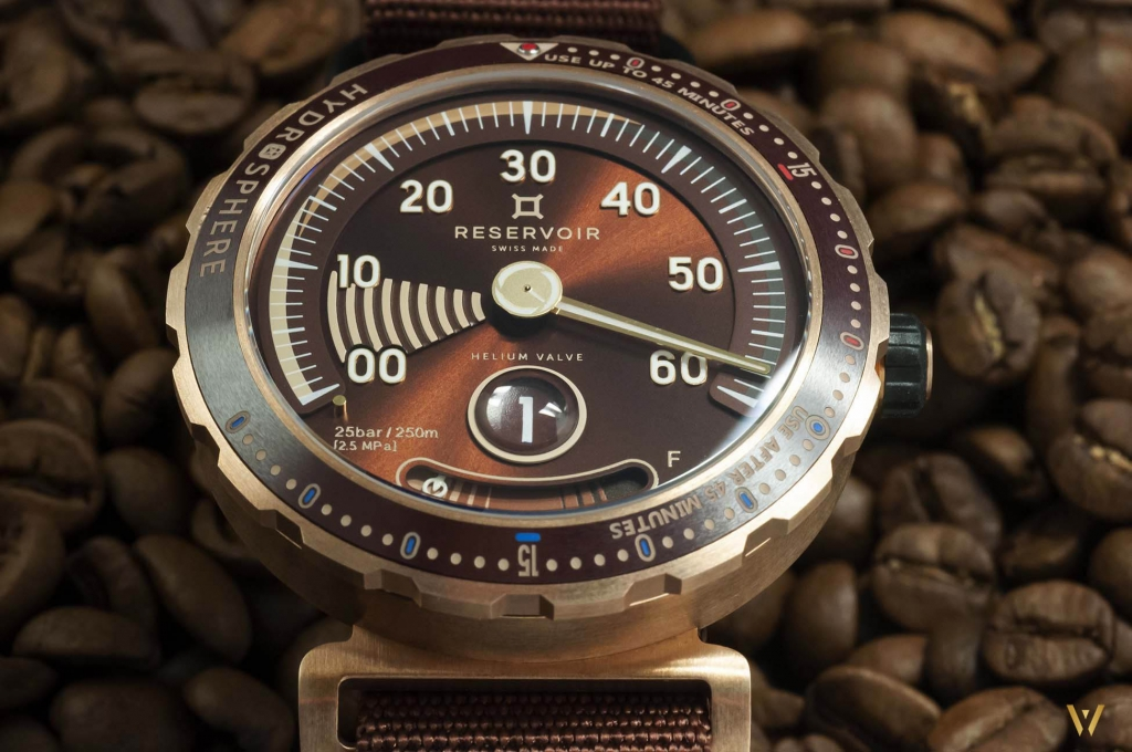 Bronze case and brown dial - RESERVOIR Hydrosphere Bronze Maldives Edition